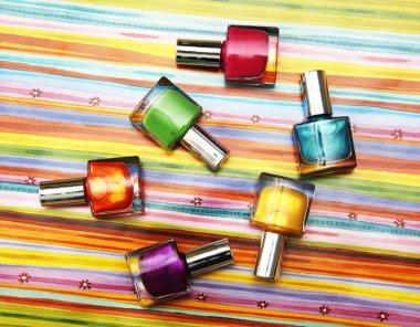 Виды и состав лаков для ногтей