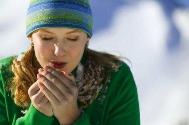 Красота рук в зимнее время — так ли это важно