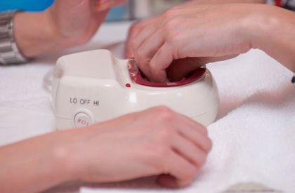 Горячий маникюр для укрепления ногтей